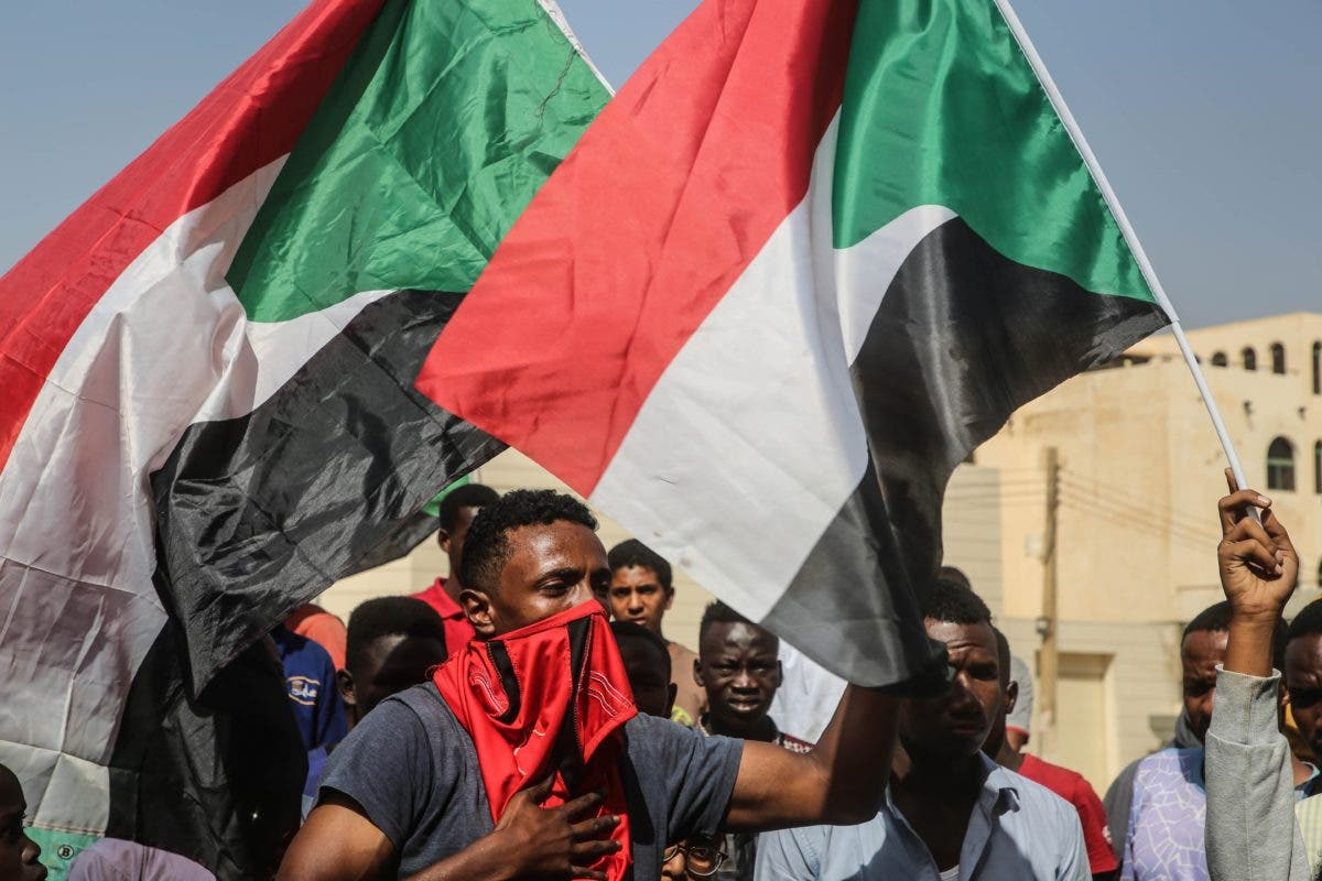 Sudán: General declara emergencia en aparente golpe de Estado