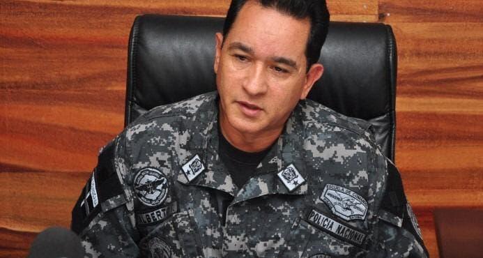 Video: Nuevo director P.N. fue quien detuvo a alcalde Milton Fernández por supuestamente violar toque de queda