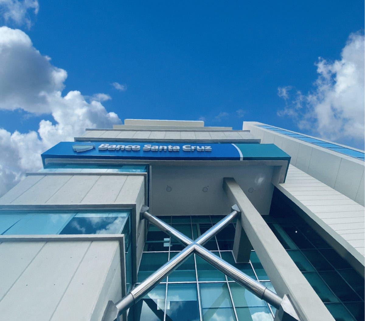Banco Santa Cruz refuerza su compromiso institucional con sus clientes
