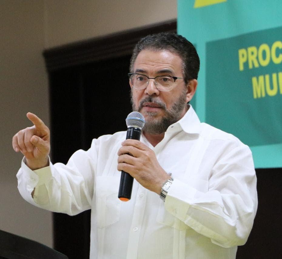 Guillermo Moreno asegura no es necesaria reforma fiscal para lograr presupuesto sin déficit