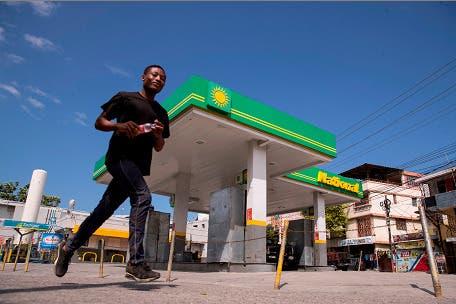 Crisis de combustible convierte a Puerto Príncipe en ciudad patrimonio del peatón