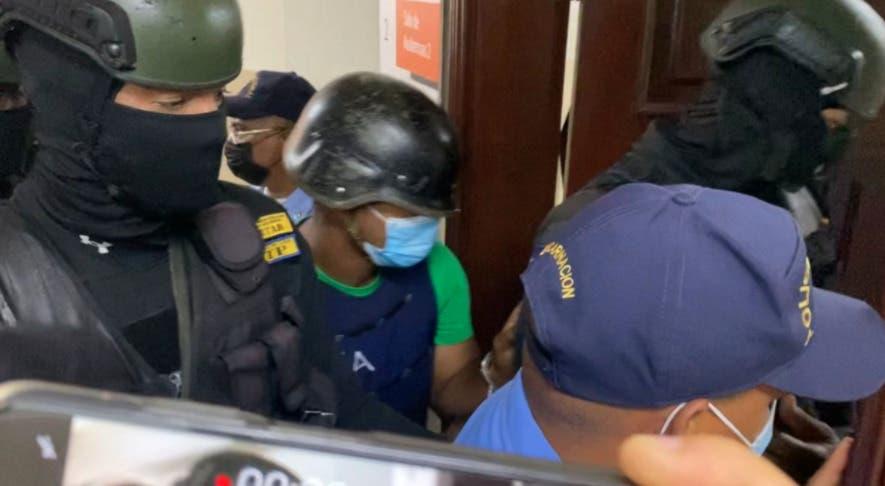 Aplazan medida de coerción contra agente policial acusado de matar a Leslie Rosado