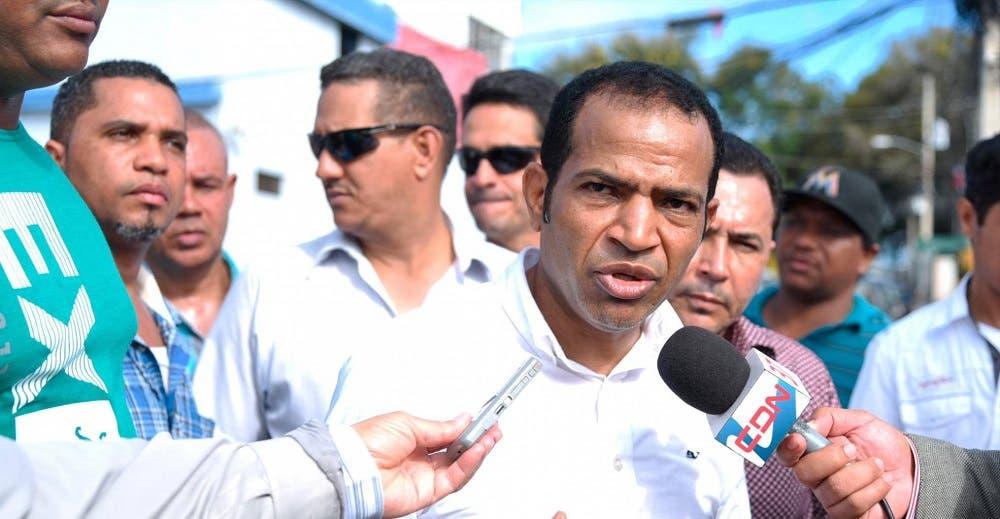 CNTT advierte que defenderá sector taxi ante plan municipal de desalojo
