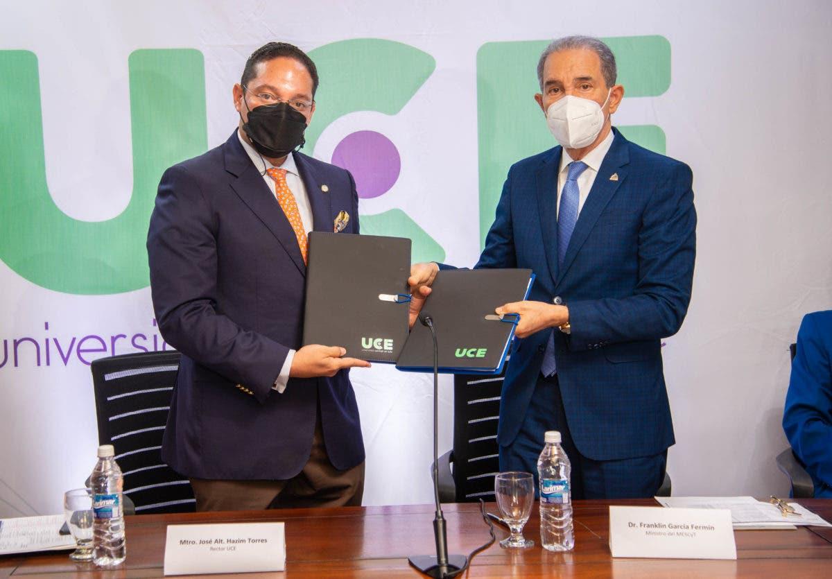 UCE y MESCyT firman acuerdo para otorgar becas en Técnico Superior
