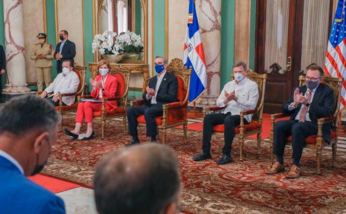 EEUU destina 8,9 millones de dólares para reformar instituciones de República Dominicana