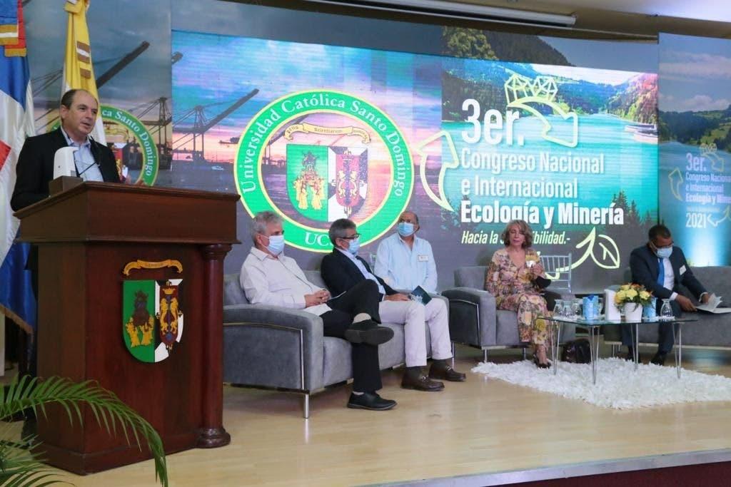 Ministro del MESCYT asegura que políticas educativas impactan al país