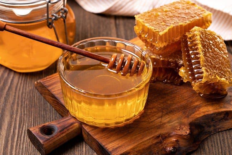 ¿Cómo reconocer la miel no adulterada?