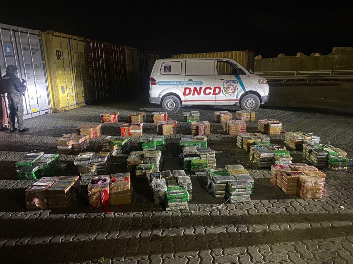 Ocupan 978 paquetes de lo que se presume es cocaína en Puerto Caucedo