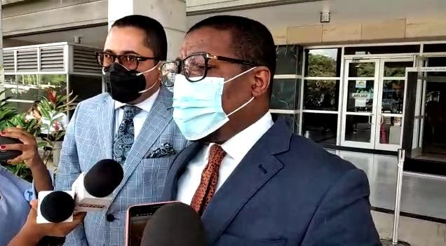 Depositan querella contra alcalde de La Romana por supuesta malversación