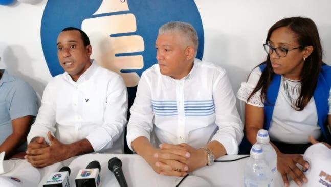 Dirigentes PRM aseguran es «politiquería barata» cuestionamientos PLD a patrimonio Luis Abinader