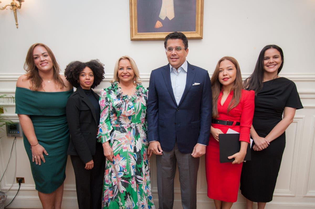 Relanzan el turismo dominicano en París