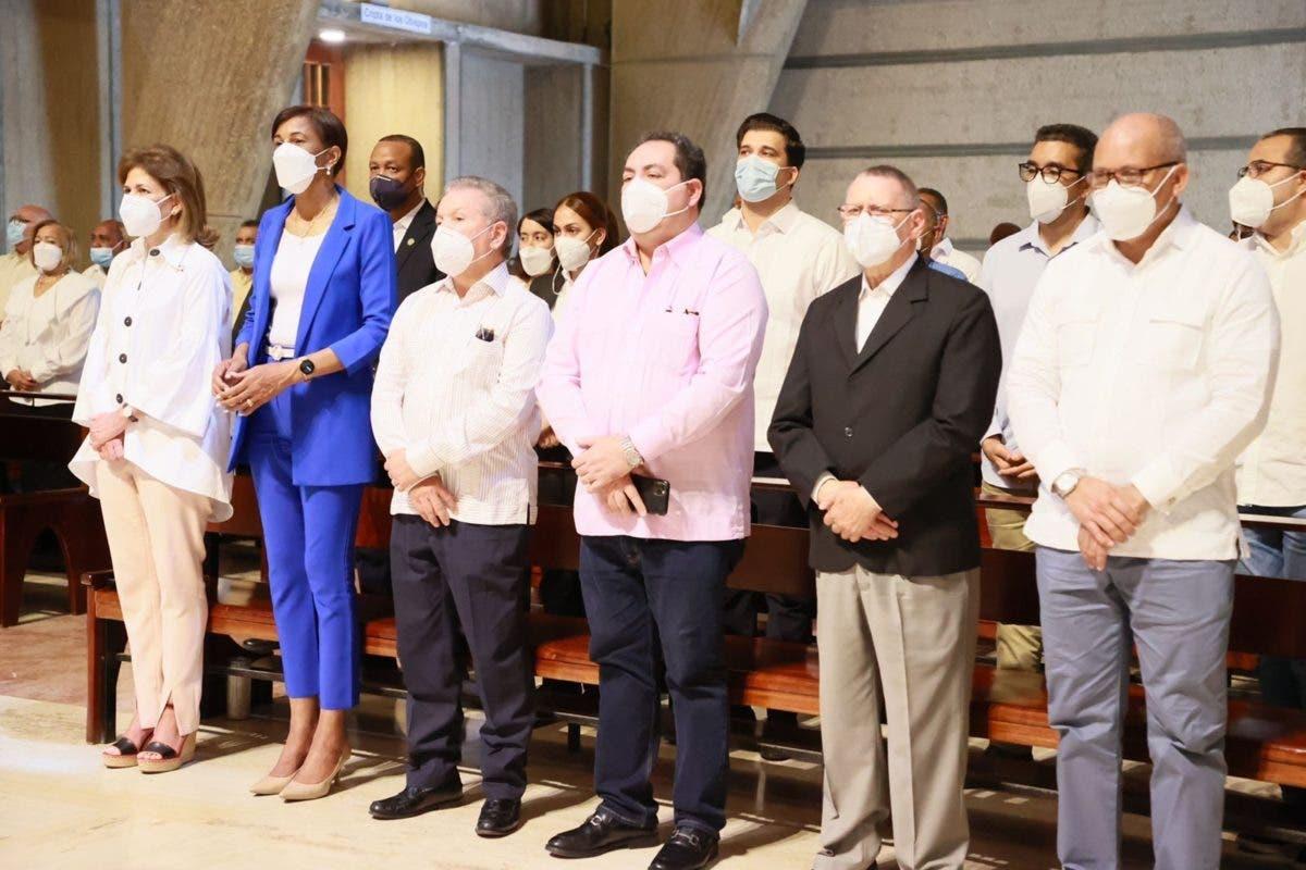 Vicepresidenta y director SNS supervisan hospitales del Este