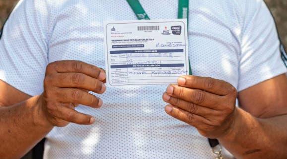 Conocerán el lunes dos recursos contra presentación obligatoria de tarjeta de vacunación