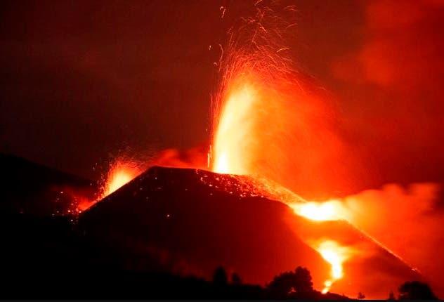 79 terremotos en una sola noche en la isla española del volcán en erupción
