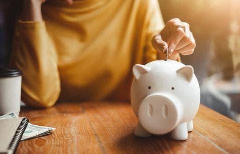 Senador dice fondos de pensiones son ahorro de un país