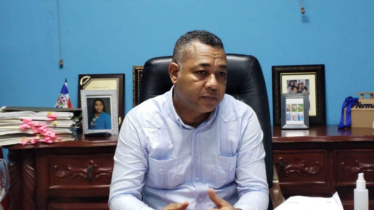 Alcalde de Boca Chica denuncia se comete «acoso y raterismo» contra turistas