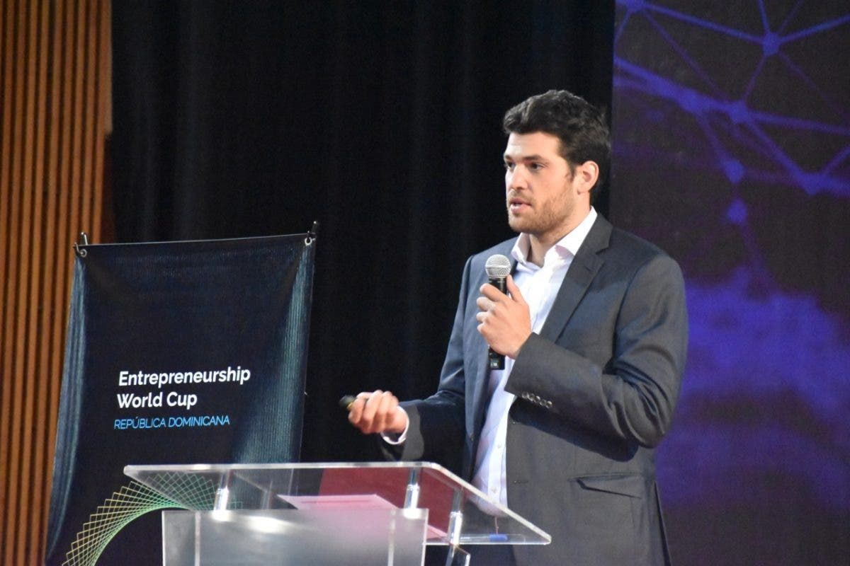 Iniciativa para recoger sargazo en RD finalista del Entrepreneurship World Cup