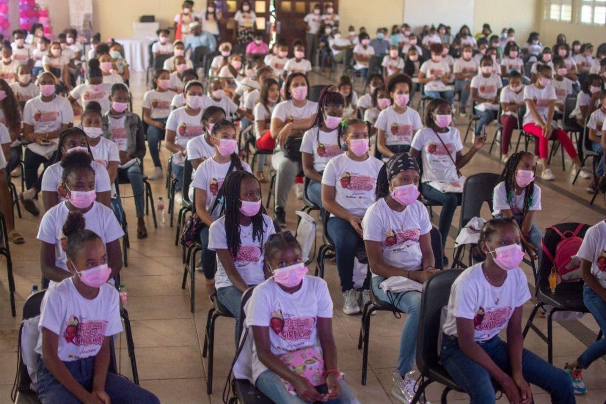 Fundación Enciende Una Luz celebra en grande el Día Internacional de La Niña
