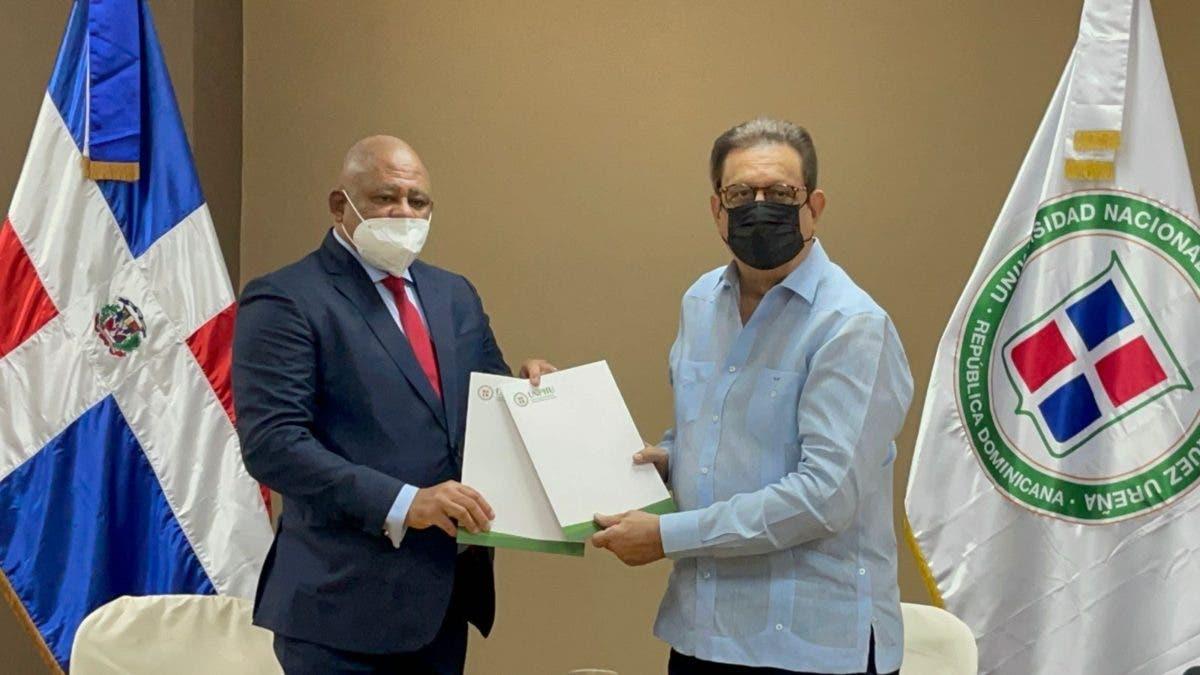 El Conacoop firma convenio de colaboración interinstitucional con la UNPHU
