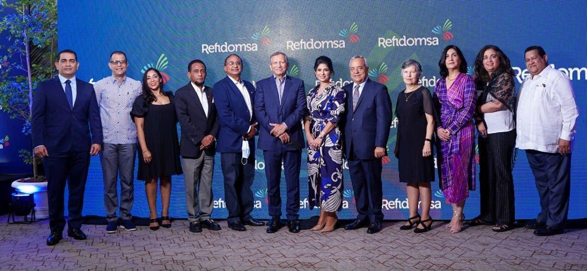 Refinería Dominicana de Petróleo realiza cóctel de clientes