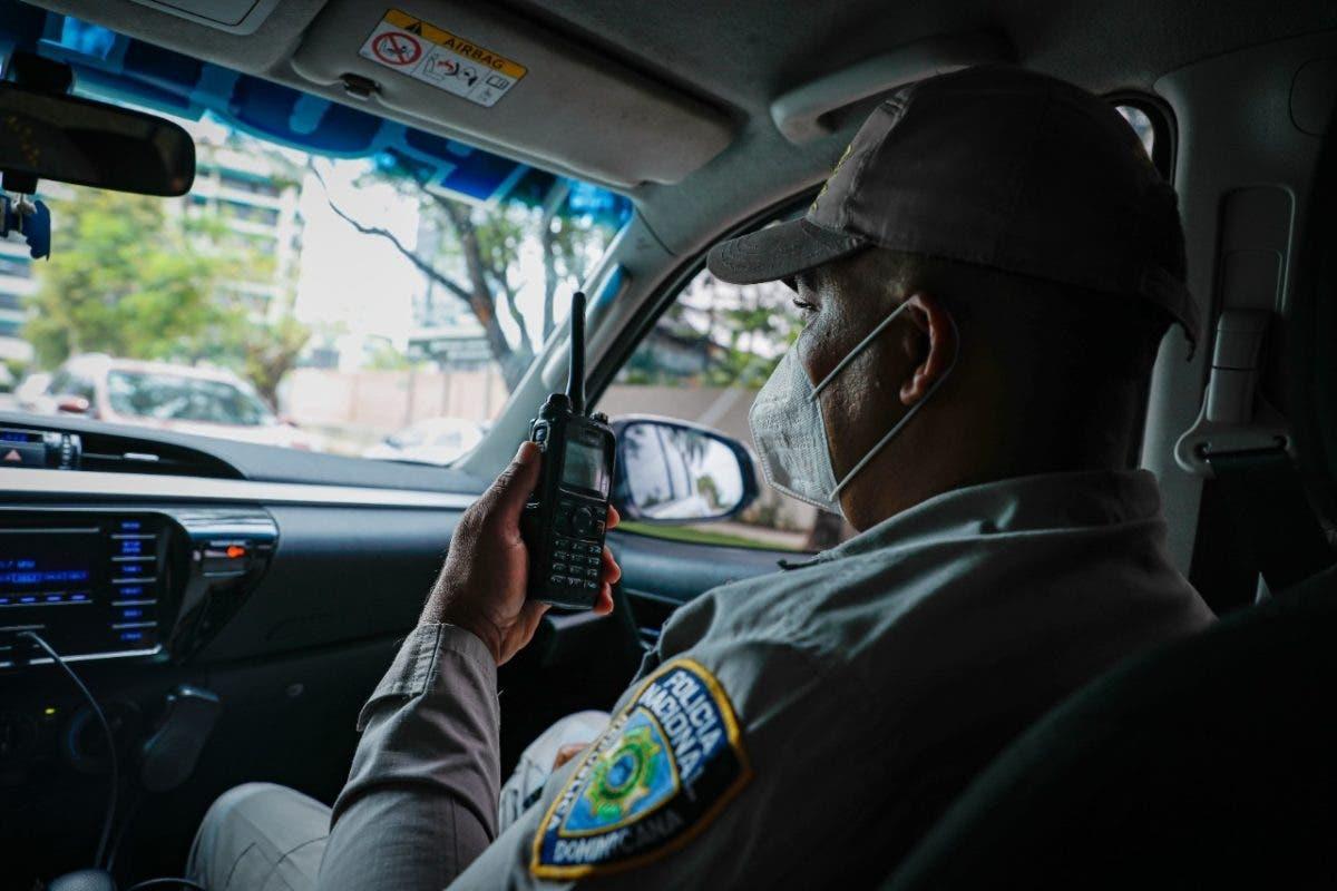 Sistema 9-1-1 informa beneficios de los car kits para la Policía Nacional