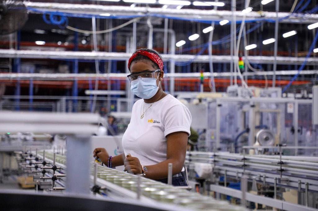 La industria, el comercio y zonas francas lideran inversión extranjera y generación de empleos