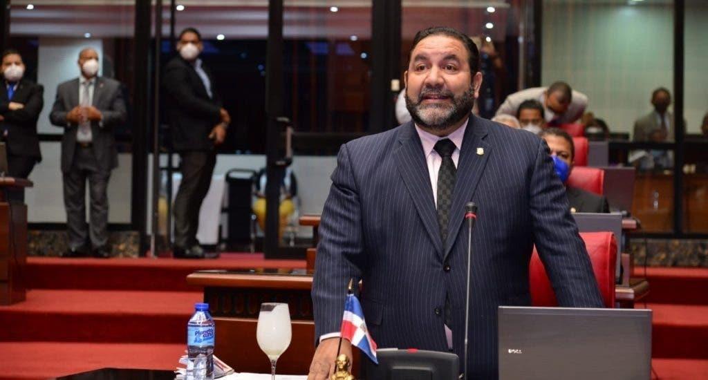 Comisión Bicameral estudia Código Penal acoge propuesta de Rogelio Genao