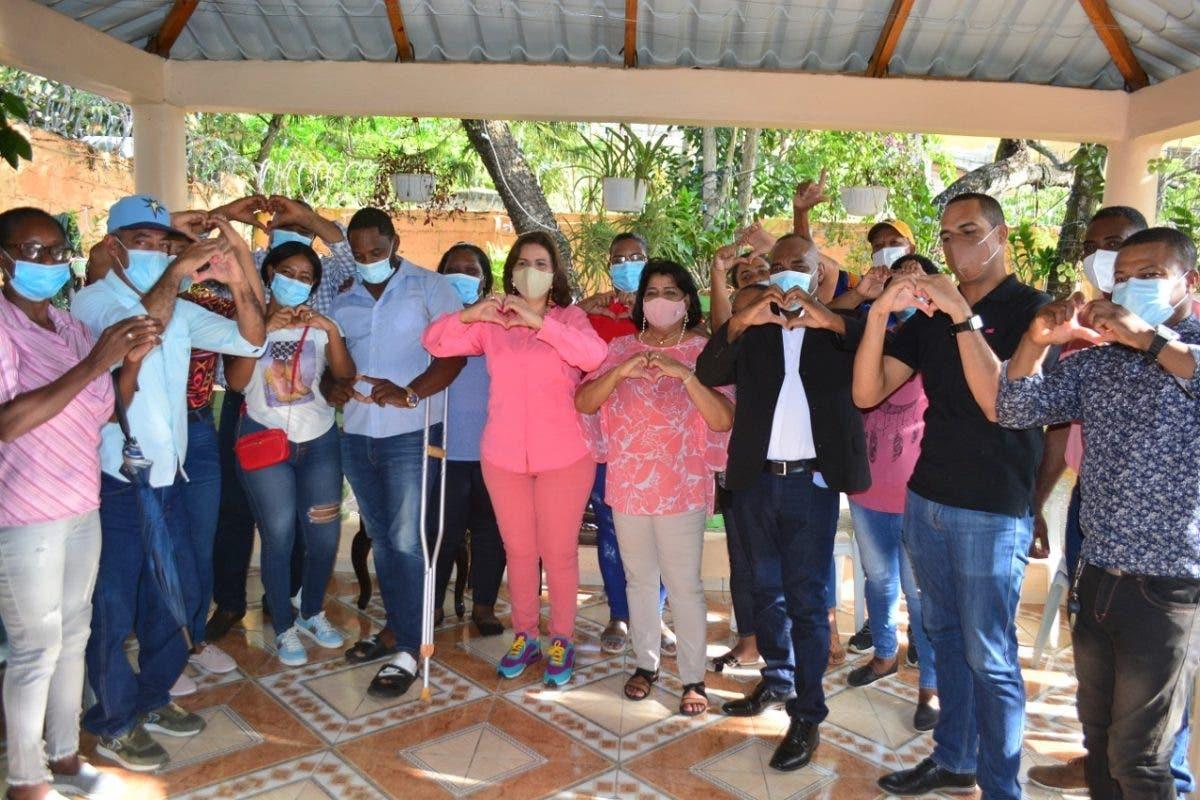 Margarita Cedeño recibe el respaldo de dirigentes del PLD en Guerra, Boca Chica y Santo Domingo Este