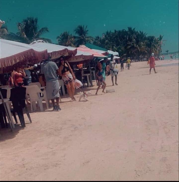 Merma flujo de visitantes a la playa de Boca Chica