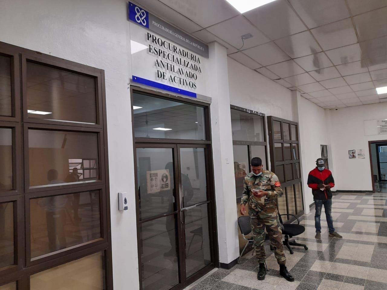 Operación Larva: luego de tres horas, siguen interrogatorios a los apresados