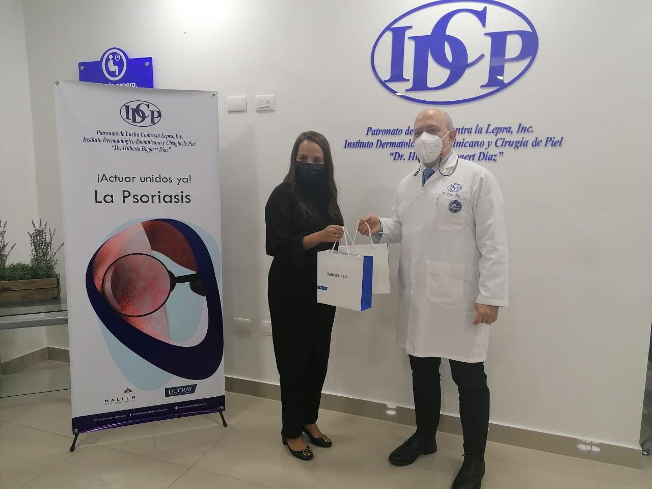 Donan medicamentos al Instituto Dermatológico para pacientes con psoriasis