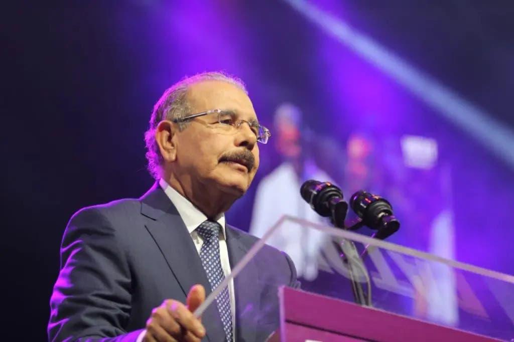 """Danilo Medina: """"El PLD que conozco es el que escucha, prometió e hizo"""""""