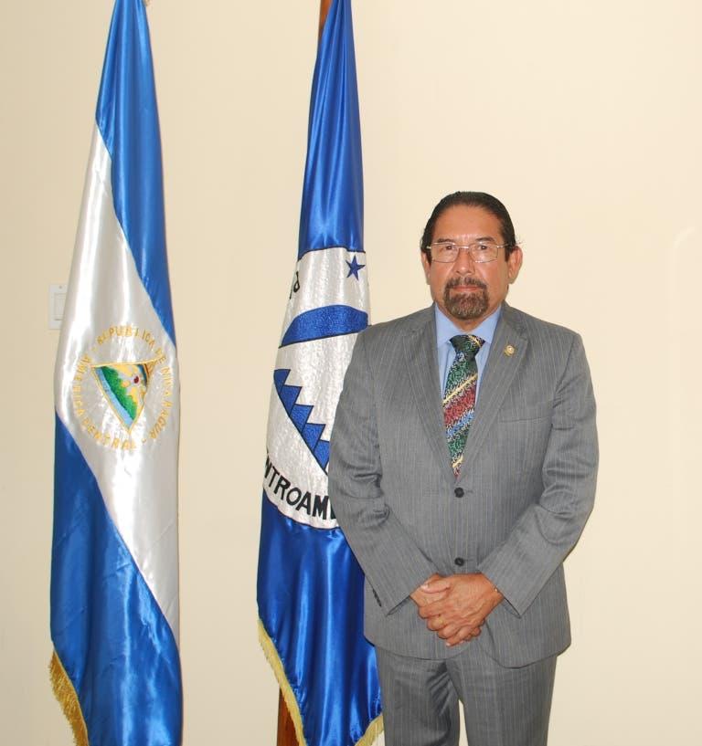 Eligen a Daniel Ortega Reyes nuevo presidente del PARLACEN