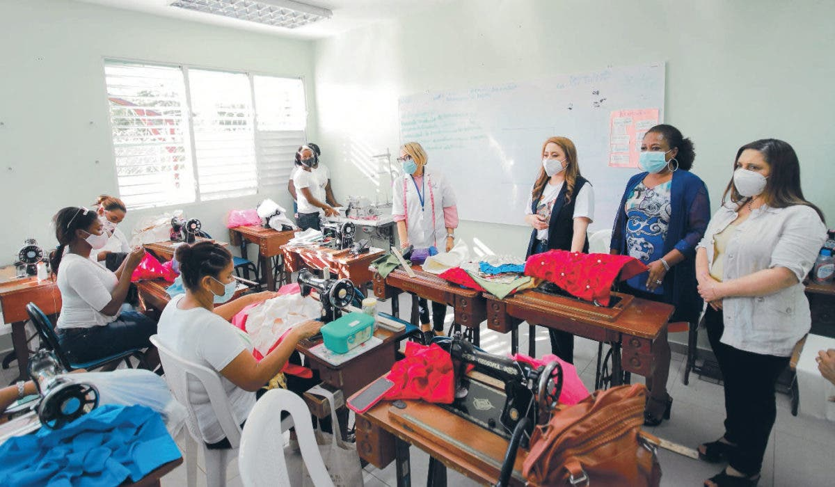 54 mil personas han recibido educación técnica en centros de Supérate