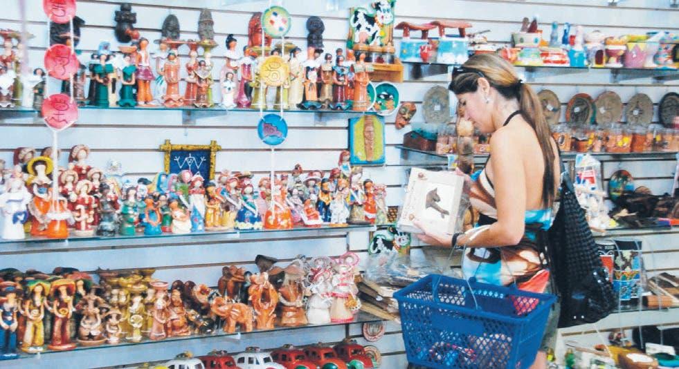 Piden al Gobierno elabore estrategia para impulsar artesanos
