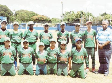 Estrellas de Marisela Peralta ganan torneo de Liga Mercedes