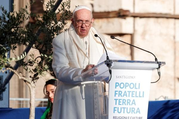 "Papa Francisco insta a crear una Iglesia ""amiga"" e integrar a las mujeres"