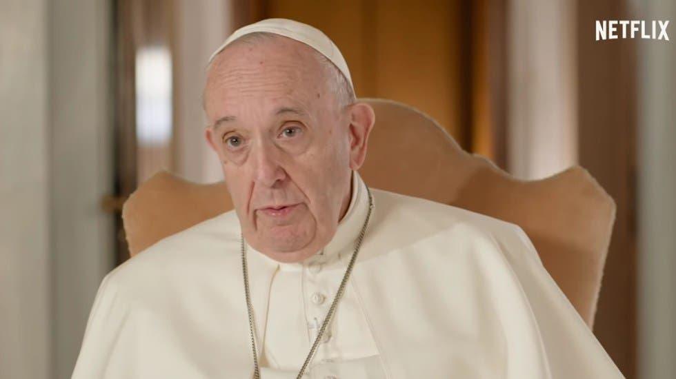 """El papa en Netflix: """"Es importante que los jóvenes hablen con los viejos»"""