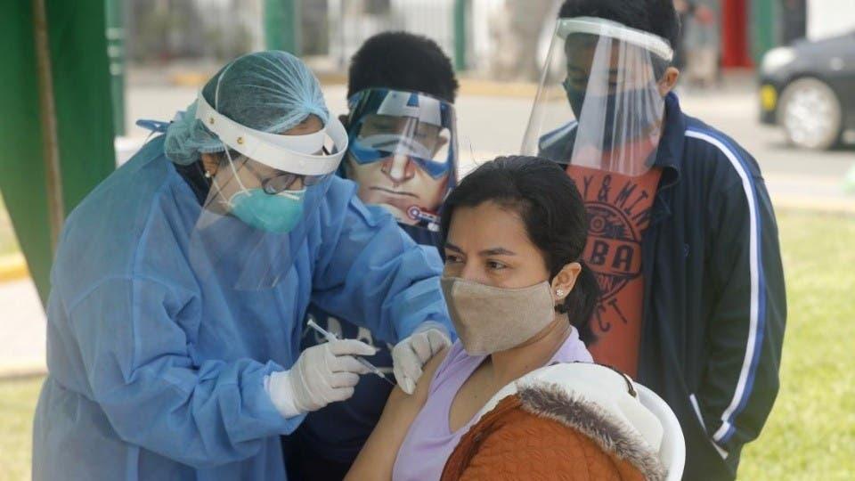 El Papa: «Es urgente ayudar por dignidad a países con menos vacunas»
