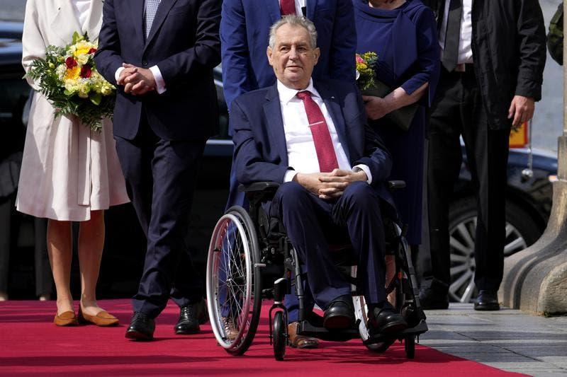 Hospitalizan de urgencia al presidente de República Checa