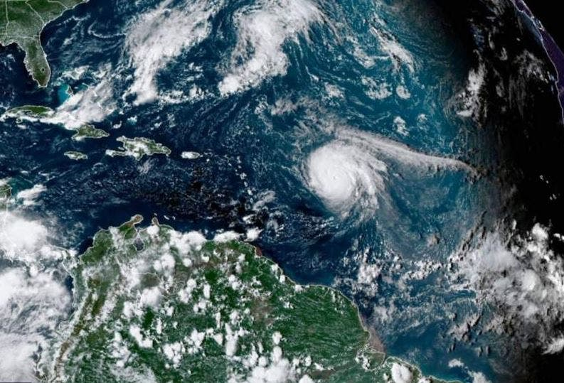 Sam producirá condiciones de tormenta tropical en las Bermudas
