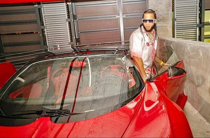 Subastarán antiguo Bugatti Chiron del