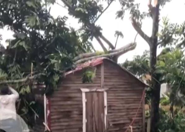 Tornado deja decenas de familias a la intemperie en Sánchez Ramírez